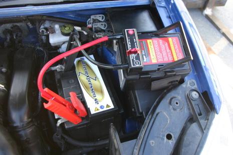 ladda bilbatteri